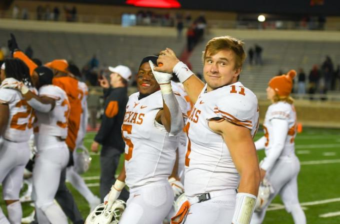 Texas Longhorns vs. Oklahoma State Cowboys at Texas Memorial Stadium